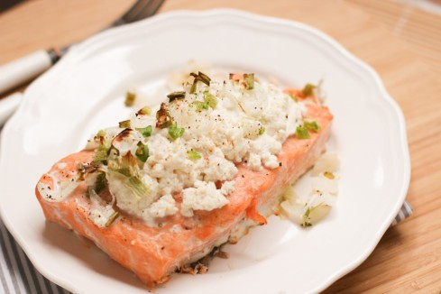 saumon-à-la-ricotta-et-aux-oignons-verts-baked-salmon-with-ricotta-and-spring-onions-1-of-1-1024x682